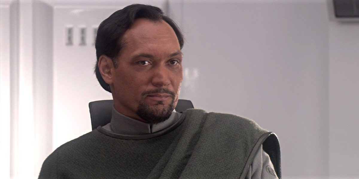 Bail Organa (Jimmy Smits) stares on in Star Wars: Episode III - Revenge of the Sith (2005)