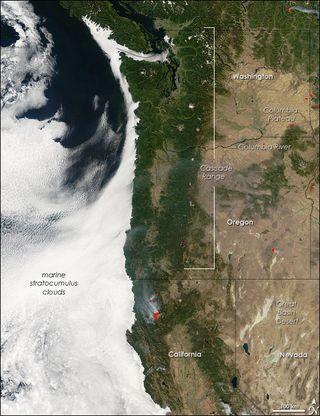 low lying clouds, oregon, northwestern united states