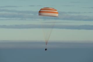 Expedition 49 floating to Earth in Soyuz MS-01
