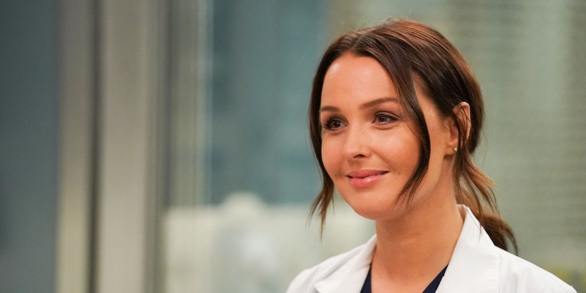 Jo Wilson smiling in Grey's Anatomy