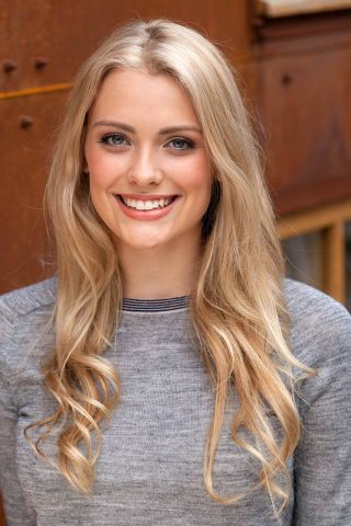 Model Wallis takes over role of Holly in Hollyoaks