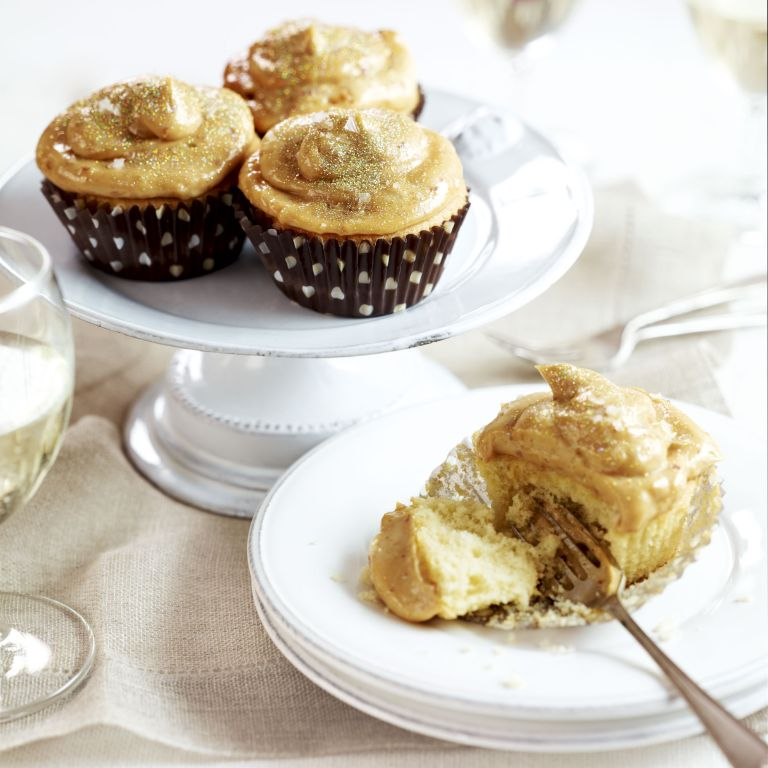 Salted peanut caramel cupcakes-baking-cake-woman and home