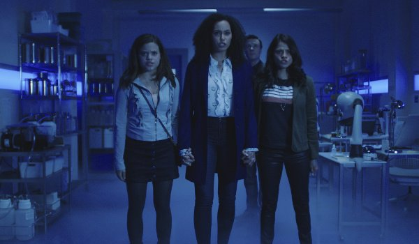 charmed cast holding hands the cw