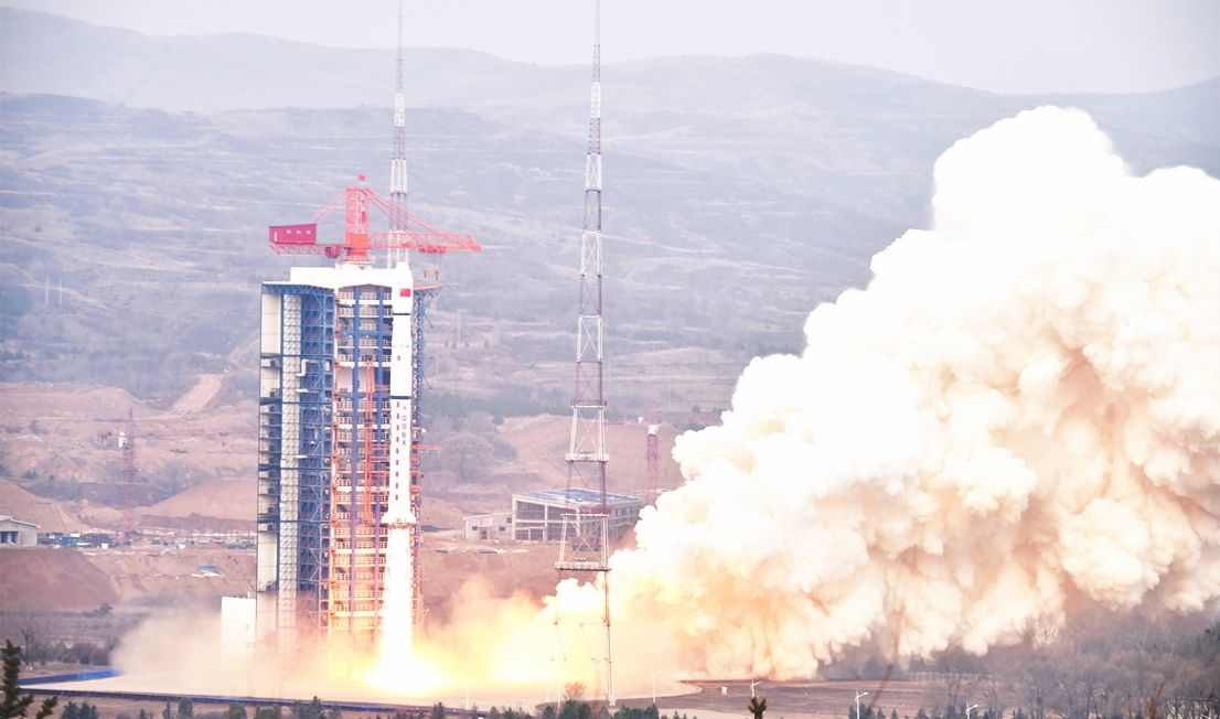 China launches experimental satellite into polar orbit