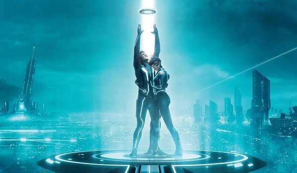 Tron: Legacy Sam and Quorra standing in the data stream