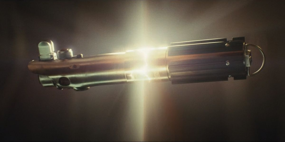 See How Rey Repaired Luke S Lightsaber For The Rise Of Skywalker Cinemablend