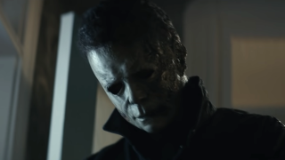 Michael Myers looking down in Halloween Kills
