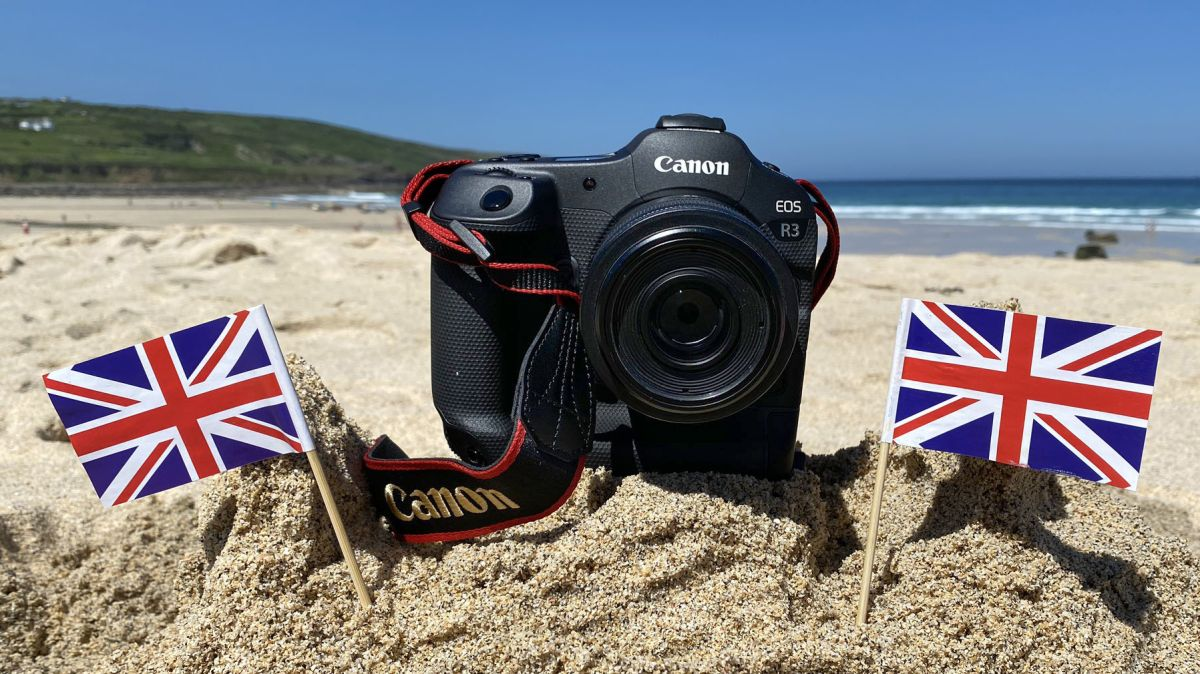 Canon EOS R3 spotted sunbathing at G7 Summit… with 30MP sensor and no 8K?