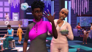 Ein Sim in Die Sims 4 zeigt ihre lackierten Nägel