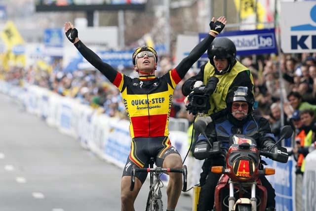 Stijn Devolder wins the 2008 Tour of Flanders