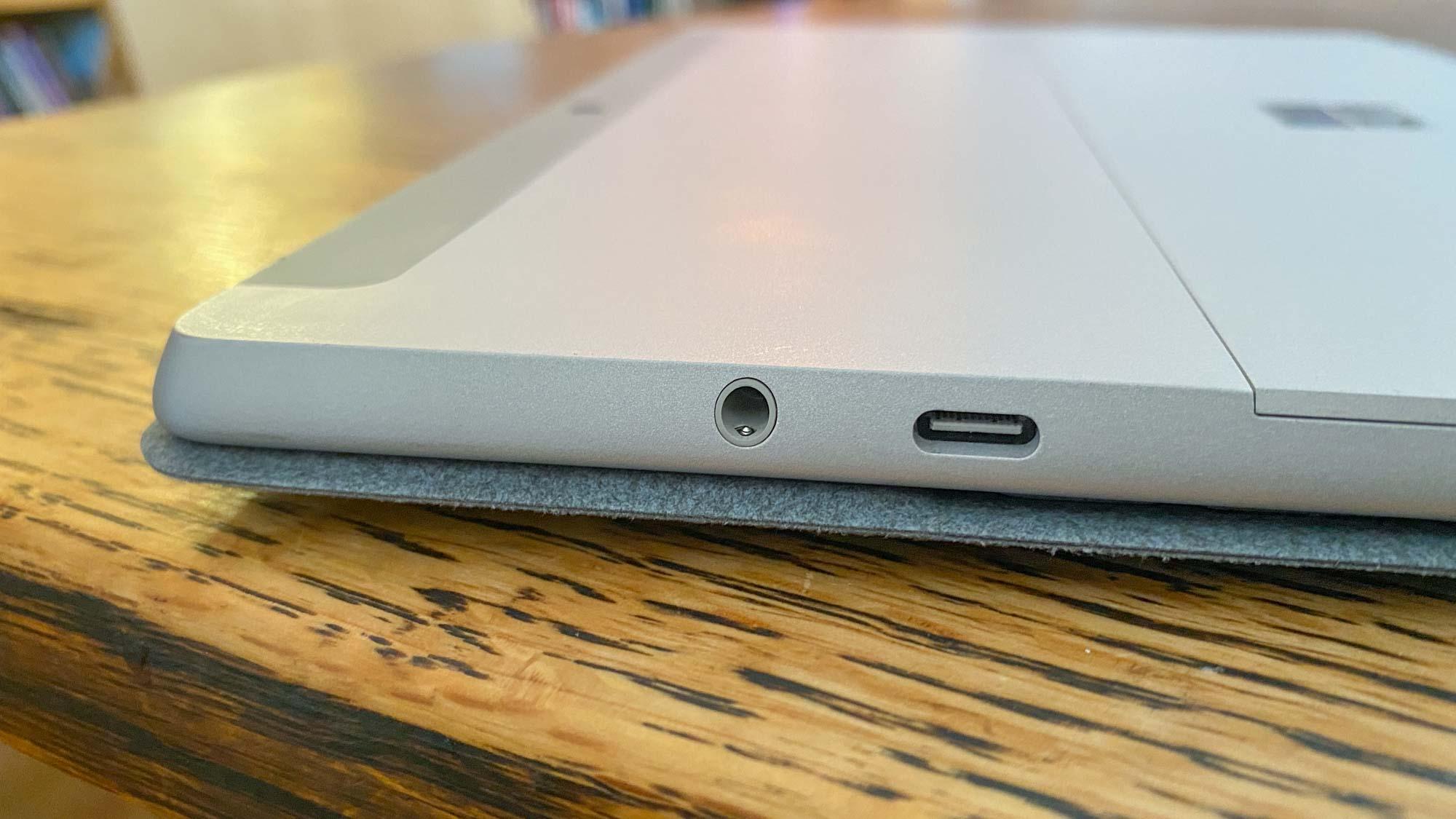 Revisión de Microsoft Surface Go 2 - puertos