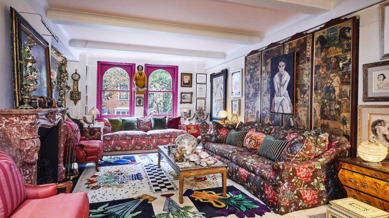 Gloria Vanderbilt's maximalist living room