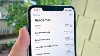 how to set up voicemail on an iphone