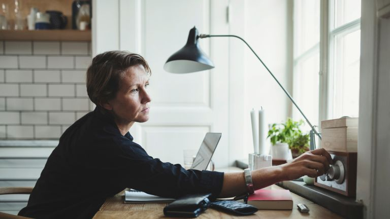 Desk lamps to avoid eye strain when working from home
