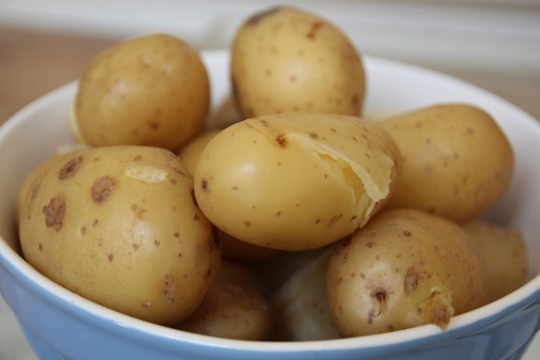 How Long To Boil Potatoes The Know How For The Perfect Spud Real Homes