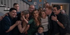 After Some Of The Modern Family Cast Had A Mini-Reunion Without Her, Ariel Winter Shares Funny Response