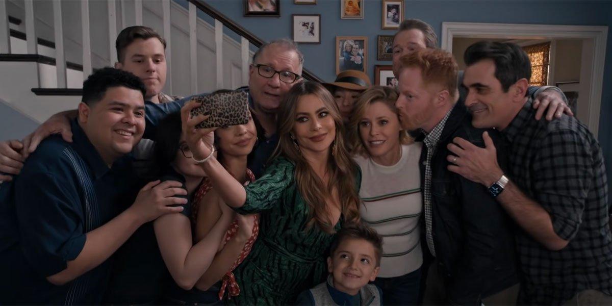 Modern Family finale selfie