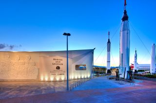 heroes and legends astronaut exhibit