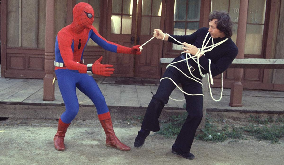 Spider-Man 1977 Spidey ropes a bad guy