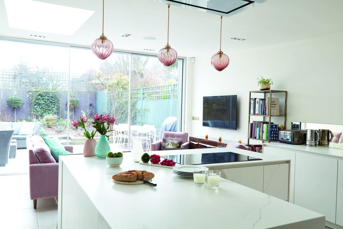 Creating an open plan kitchen: design advice and decor ...