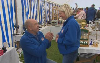 Bargain Hunt contestant surprises partner with marriage proposal during show