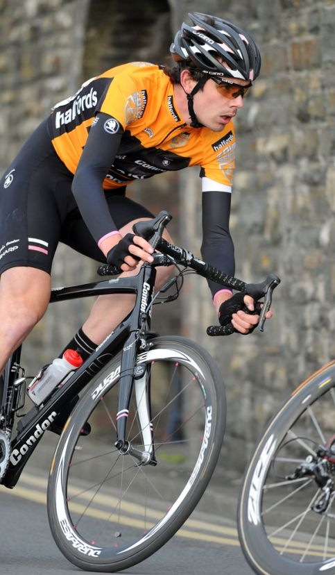 Andy Tennant, Tour Series 2011, round two, Aberystwyth