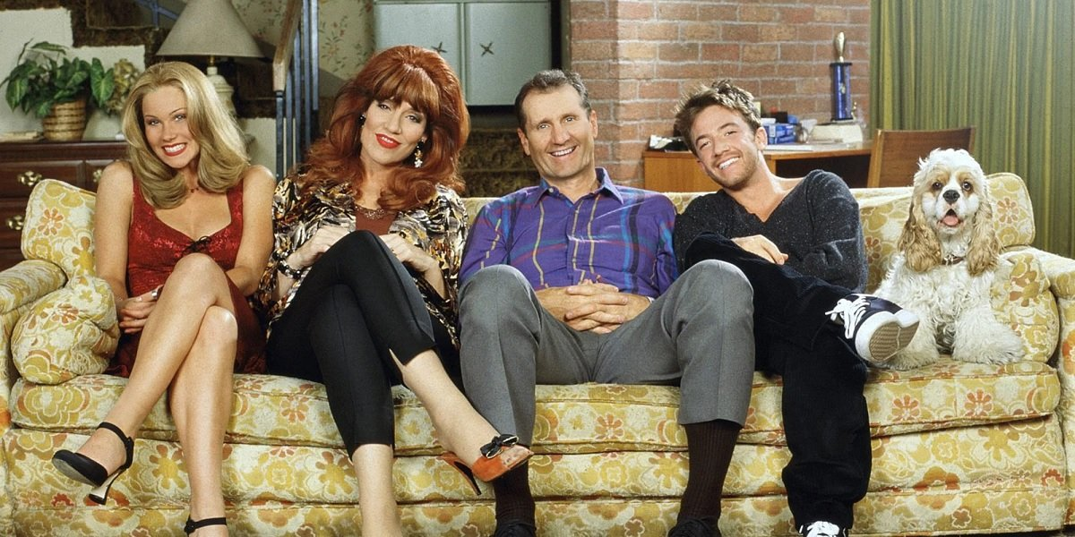 Katy Sagal, Ed O'Neil, Christina Applegate, and David Faustino in Married With Children