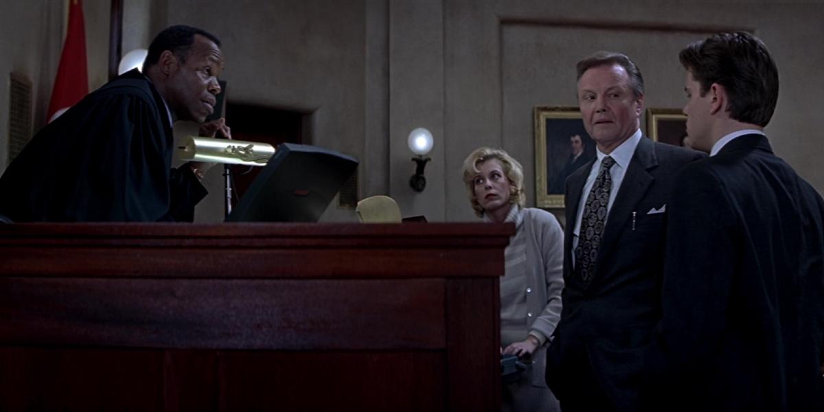Danny Glover, Jon Voight, and Matt Damon in The Rainmaker