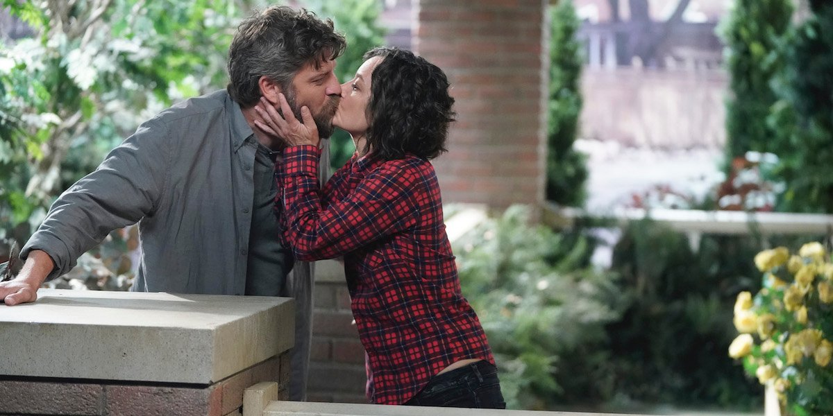 the conners ben darlene kissing on porch abc