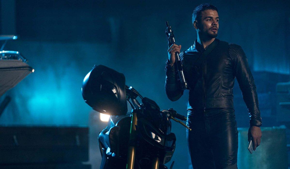 Bad Boys For Life Jacob Scipio holds his gun at the docks