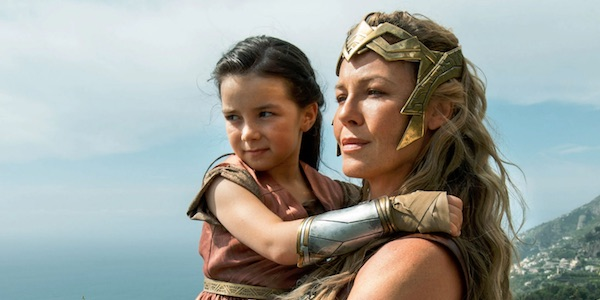 Young Diana and her mother