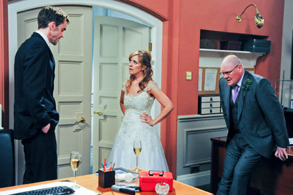 Paddy and Rhona's wedding day bust-up with Marlon!