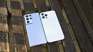iPhone 12 Pro Max vs Samsung S21 Ultra