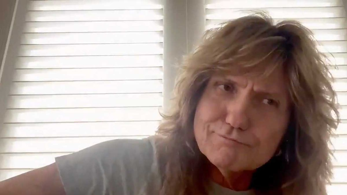 Watch David Coverdale sing the extremely sweary ...