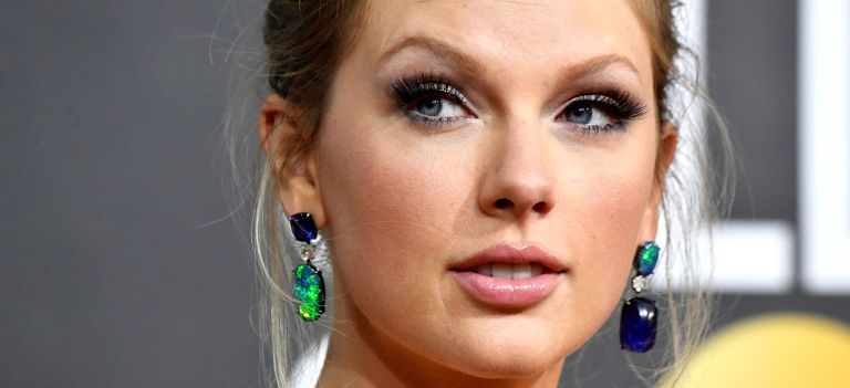 Taylor Swift attends the 77th Annual Golden Globe Awards at The Beverly Hilton Hotel on January 05, 2020
