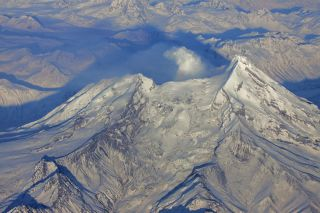 Alaska's Redoubt volcano erupts in 2009