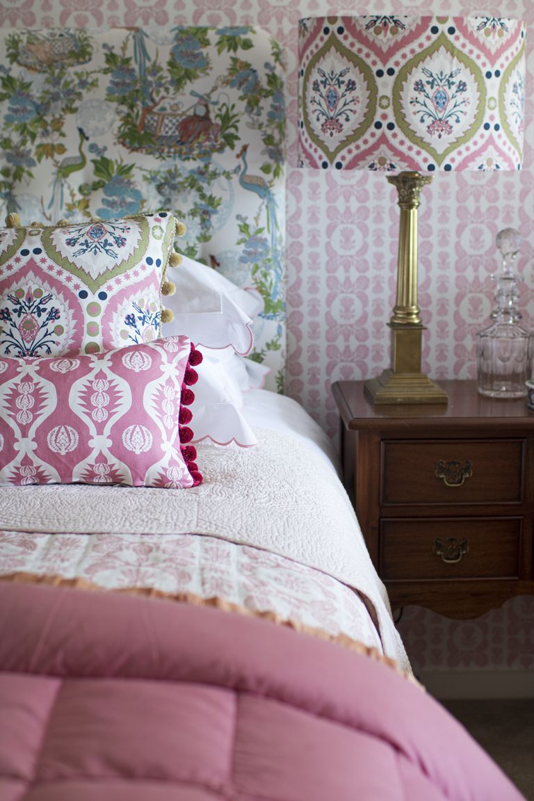 Frills trend - headboard and bed and pillows
