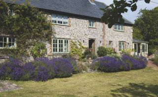 Hypertufaartistry blogspot co as well Outdoor Living Spacepart 2 further Wonderful English Country Gardens moreover Slate Walkway further Feature Gates In Cottage Gardens. on designing a cottage garden from scratch