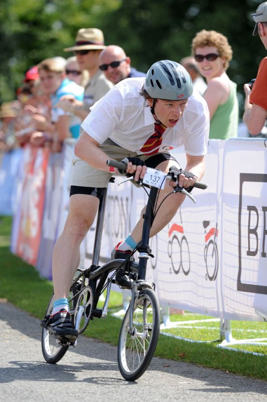 Michael Hutchinson in Brompton World Champs, Bike Blenheim Palace 2012