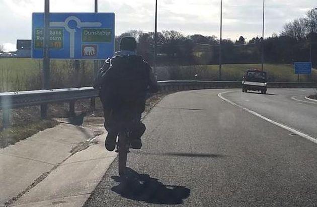 Motorway cyclist M1