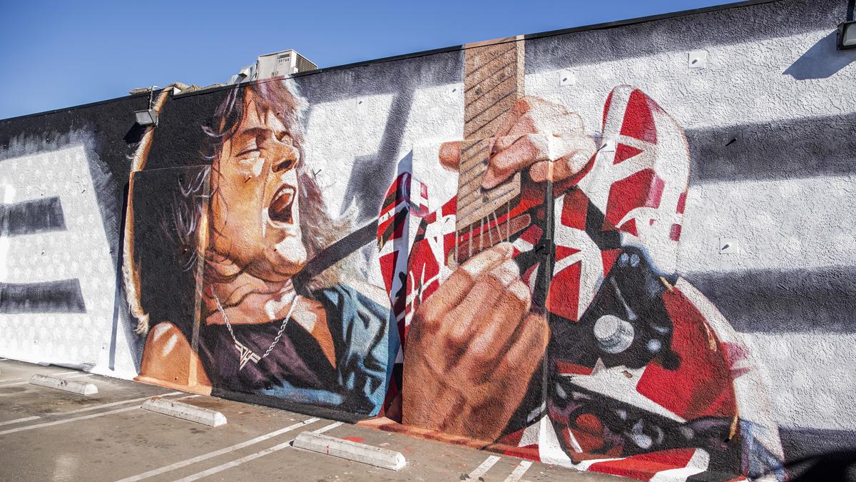 Guitar Center Hollywood officially unveils epic Eddie Van Halen mural |  Guitar World