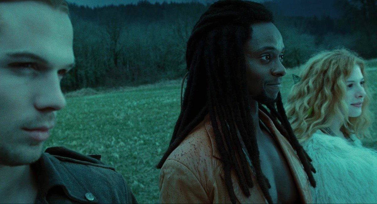Nomadic vampires in Twilight