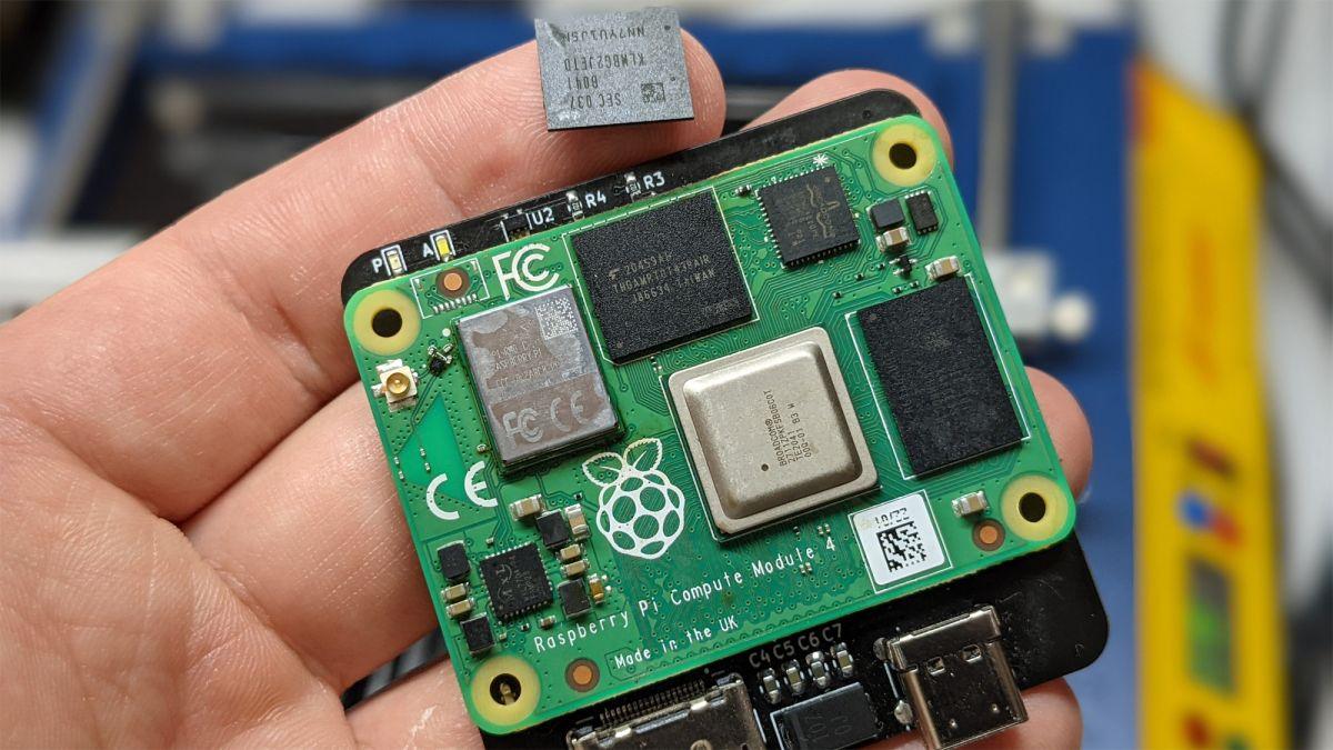 Raspberry Pi CM4 Upgraded to 128GB of Onboard Storage