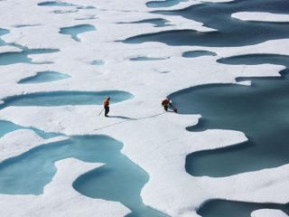 arctic-melt-ponds-icescape-110714-02