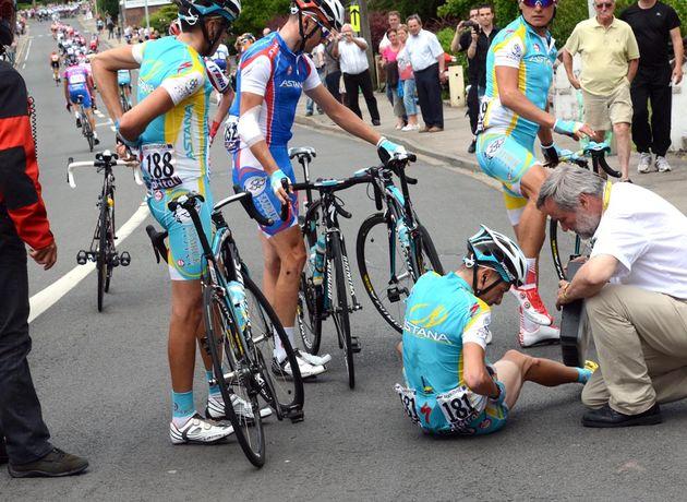Janez Brajkovic crashes, Tour de France 2012, stage three