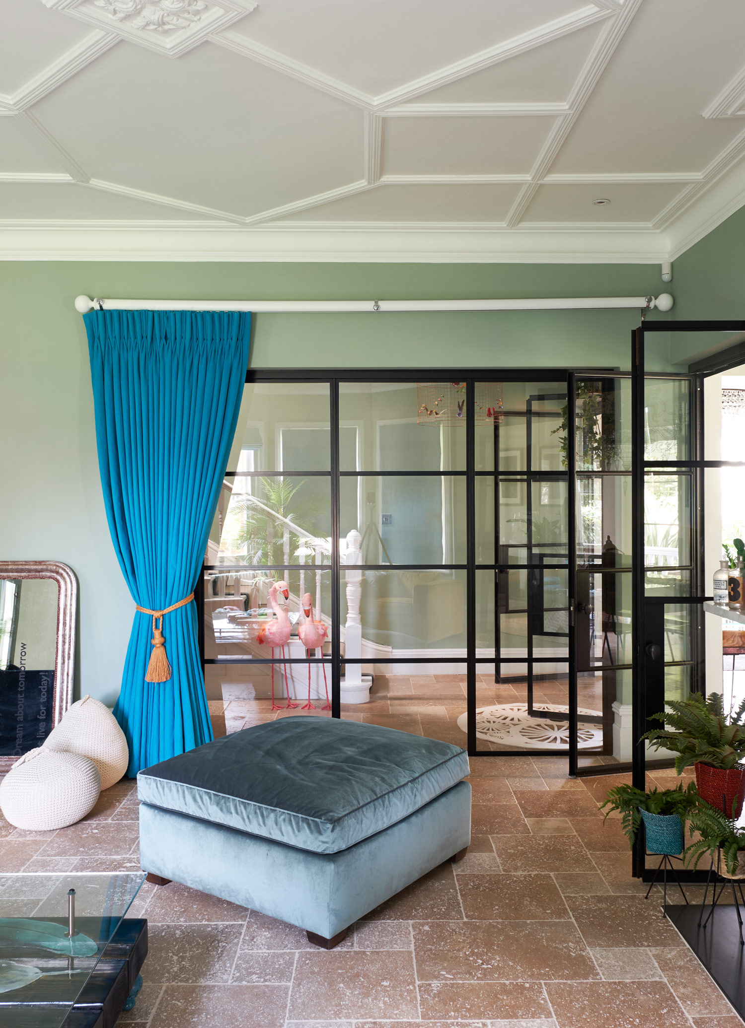 20 Stylish Curtain Styles For Living Rooms News Art Travel Design Technology