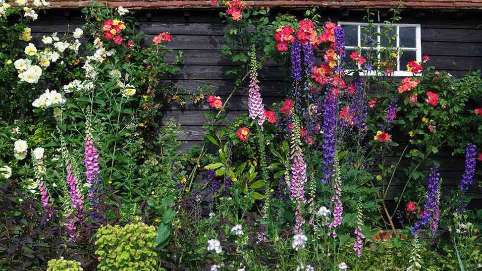 Excellent How To Create A Cottage Garden Real Homes Beutiful Home Inspiration Xortanetmahrainfo
