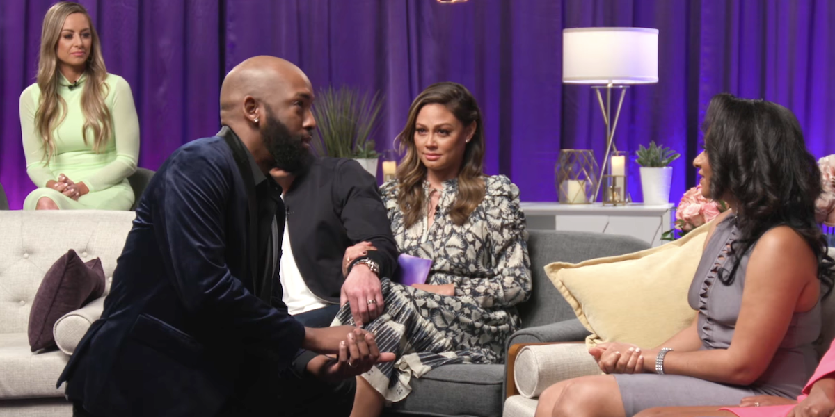 jessica vanessa lachey watching carlton give diamond her rig back love is blind reunion netflix