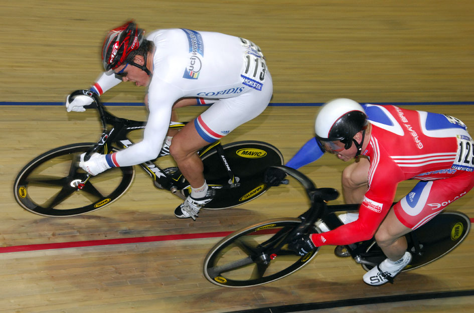 Kevin Sireau racing Chris Hoy in sprint final