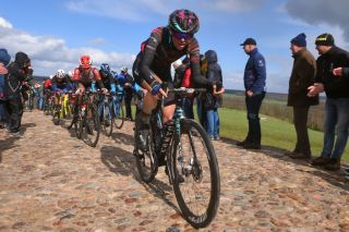 Ella Harris on the cobbles in Ronde van Drenthe 2019